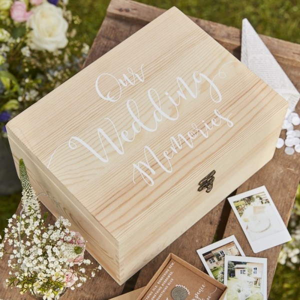 "Erinnerungs-Box ""Our Wedding Memories"" aus Holz"